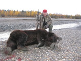 Huge Alaska Grizzly Hunting