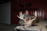 Muddy Creek Whitetails, Kansas Bruiser