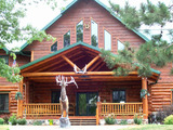 World Class Deer Hunting Lodge in Wisconsin.