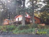 Whale Pass Lodge, Lodging