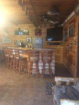TNT Hunting Lodge, Bar Area